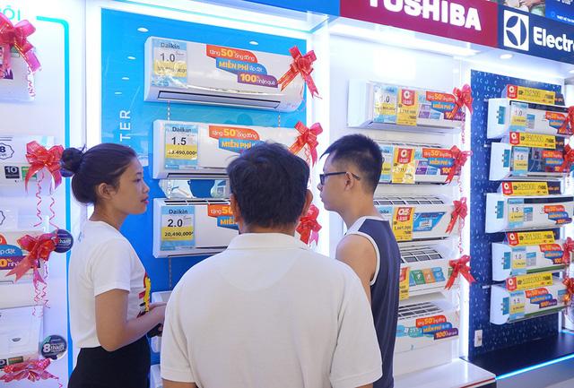 Nắng nóng kéo dài, thị trường máy lạnh tăng đột biến tại TPHCM